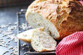 Chleb z garnka z pestkami słonecznika