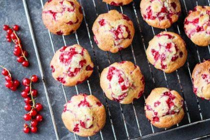 muffiny jogurtowe z czerwoną porzeczką